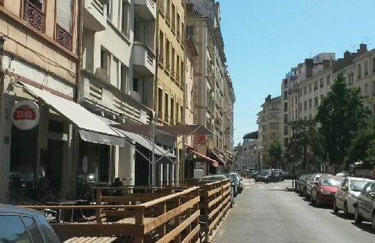 Fin des terrasses sur stationnement…pour 2016