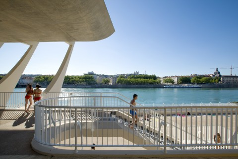 Bâtiments emblématiques de Lyon 7 : le Centre Nautique Tony Bertrand